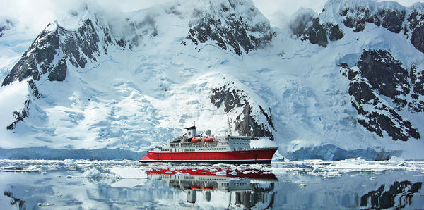 Antarctica Classic on M/S Expedition Tours, couples and cruise holiday experience