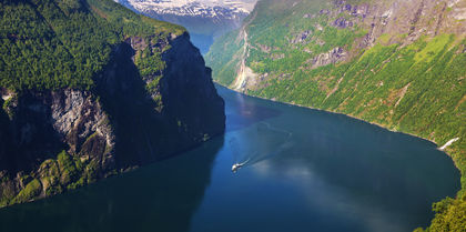Spectacular Scandinavia and its Fjords    Tours, couples and luxury holiday experience